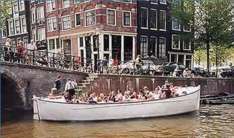 back to Roundtrips in Amsterdam by traditional vessels